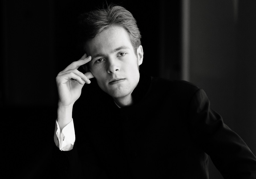 """Interview with conductor Nikita Sorokine: """"Perception of thoughts expressed through music is an essential part of human nature"""""""